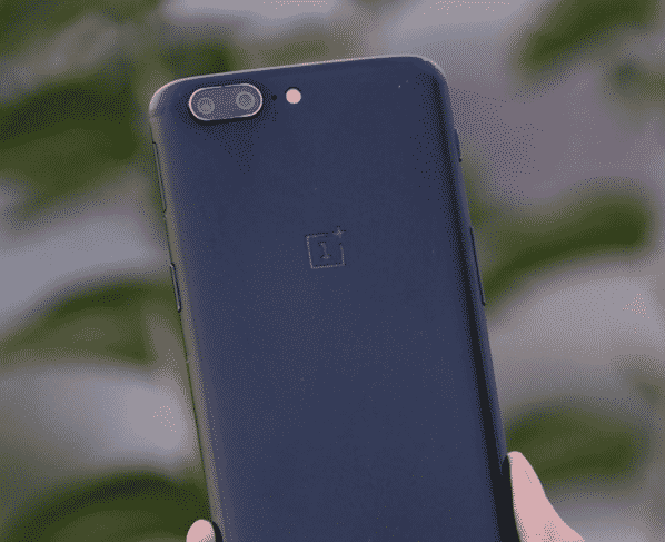 OnePlus 5 gets OxygenOS 10.0.1 with several bug fixes and September 2020 patches.
