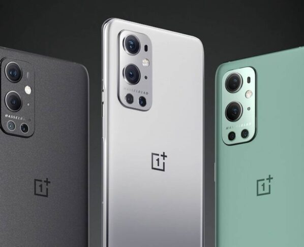 OnePlus Nord receives Oxygen OS 11.1.5.5 with August security patches and BITMOJI AOD features.